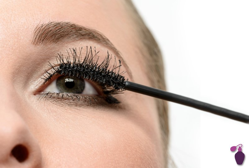 How to Apply Mascara - Step by step Guide to Apply Mascara